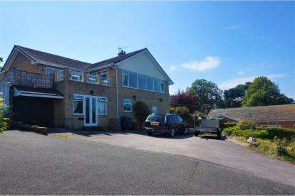 4 Bedrooms Detached House for sale in Llysfaen Road, Old Colwyn, Colwyn Bay, Conwy, LL29