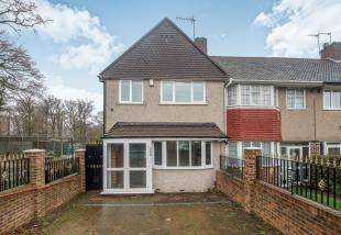 3 Bedrooms End Of Terrace House for sale in Whitefoot Lane, Bromley, Kent, Uk