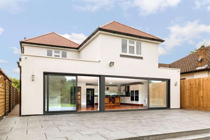 4 Bedrooms Detached House for sale in Stapleford Abbotts