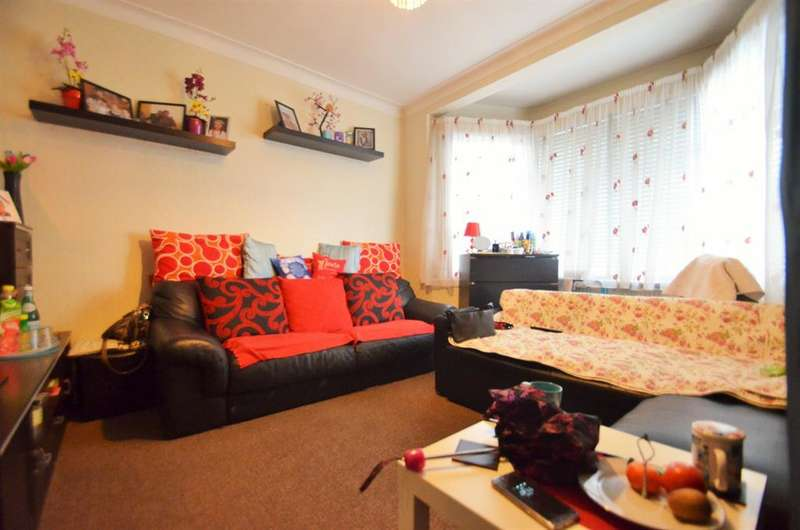 3 Bedrooms Terraced House for sale in Waverley Gardens, NW10 7EE