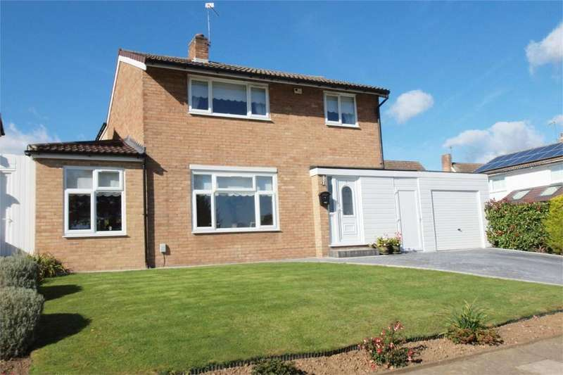 4 Bedrooms Detached House for sale in Hurstfield, Bromley, Kent