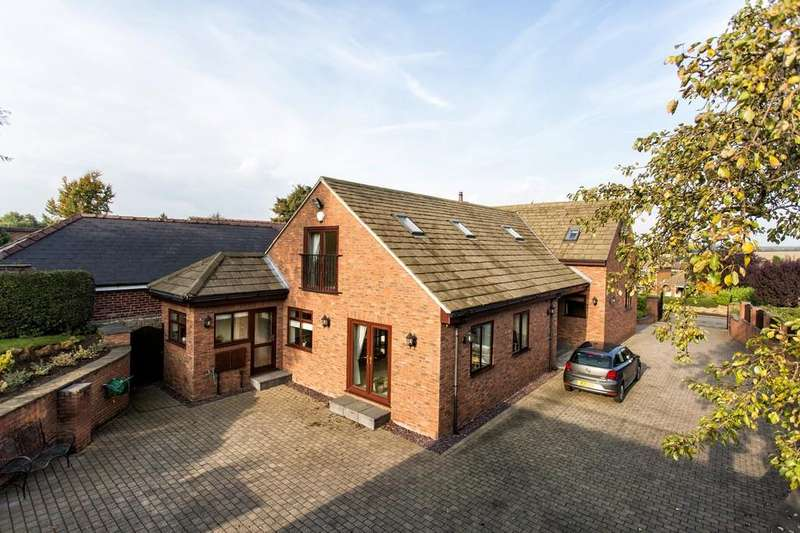 5 Bedrooms Detached House for sale in George Lane, Notton
