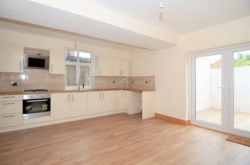 4 Bedrooms Semi Detached House for sale in Pilsley Road, Clay Cross S45