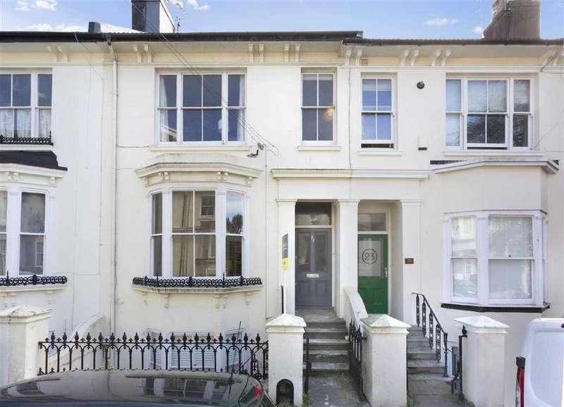 2 Bedrooms Flat for sale in Prestonville Road, Brighton