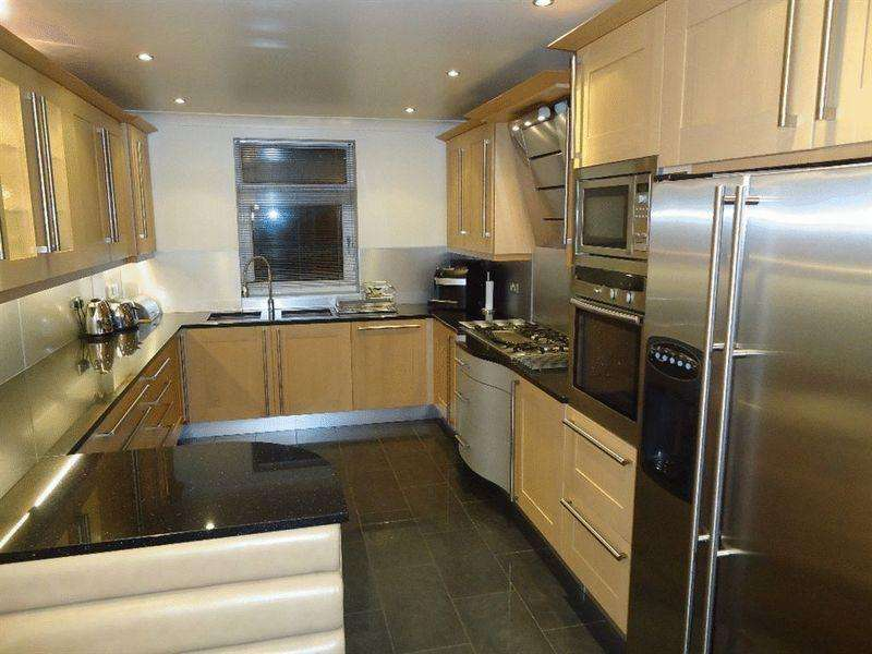 3 Bedrooms Apartment Flat for rent in Coniston House, 201 Mossley Hill Drive, Liverpool