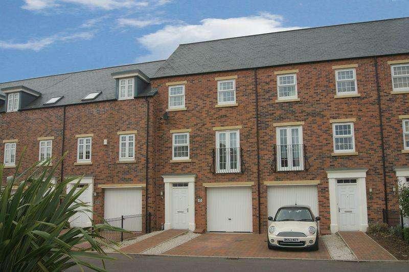 4 Bedrooms Terraced House for sale in Trent Lane, Newark