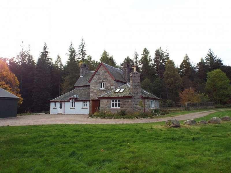 4 Bedrooms Detached House for rent in Tanarside, Glen Tanar, AB34