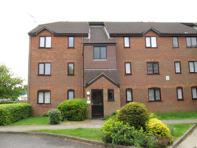 2 Bedrooms Apartment Flat for rent in Haysman Close, Letchworth SG6