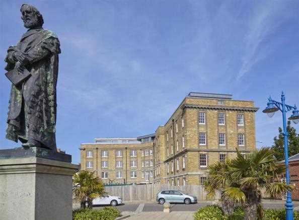 3 Bedrooms Apartment Flat for sale in Former Nurses Residence, Canterbury Road, Margate