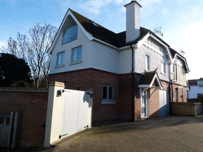 2 Bedrooms Semi Detached House for sale in Seacroft Road, BROADSTAIRS
