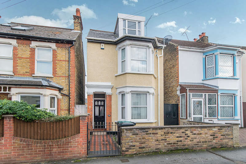 4 Bedrooms Detached House for sale in Brandon Street, Gravesend, DA11