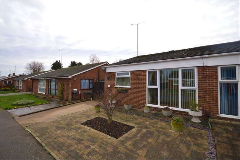 2 Bedrooms Semi Detached Bungalow for sale in Christchurch Avenue, Erith, DA8
