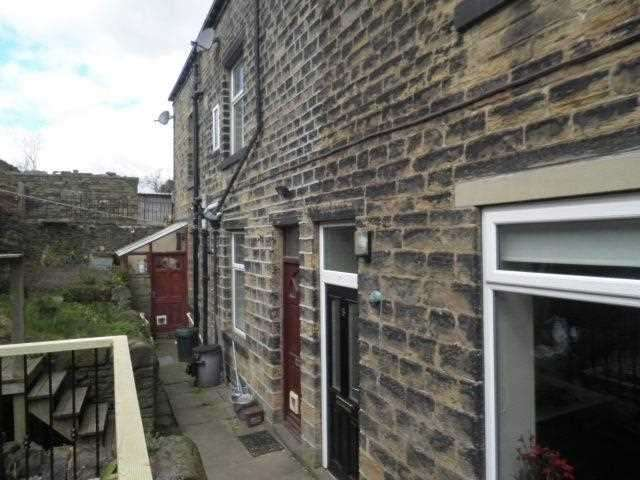 2 Bedrooms Terraced House for rent in Bethel Terrace, Norland, Halifax
