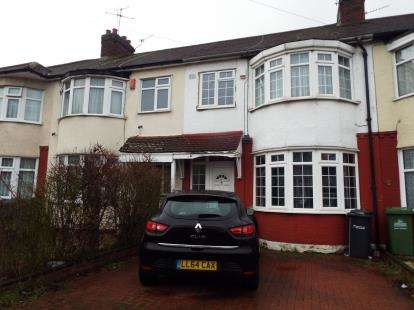4 Bedrooms Terraced House for sale in Seaforth Drive, Waltham Cross, Hertfordshire