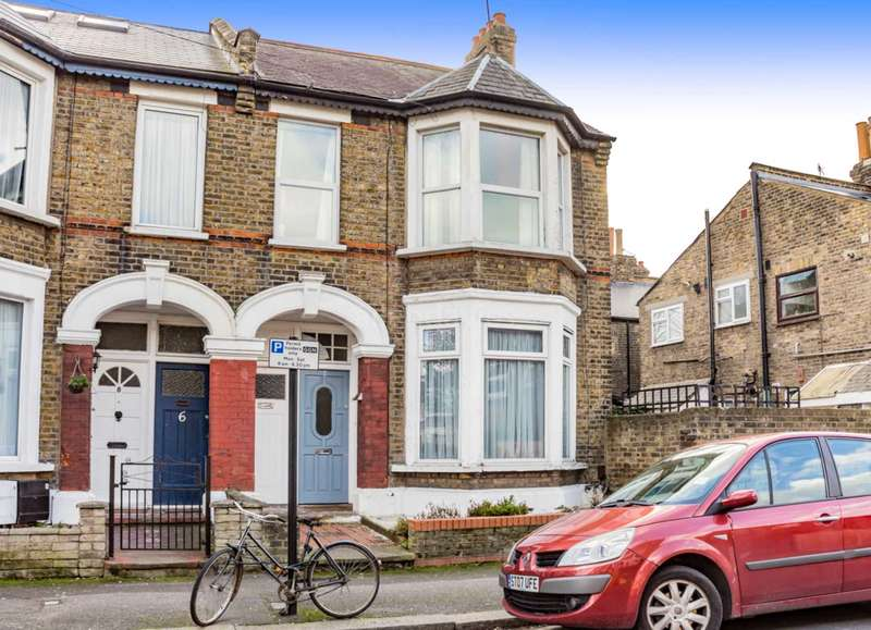3 Bedrooms Flat for sale in Brunswick Road, Leyton