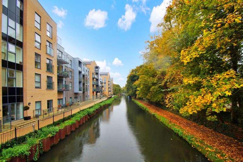 2 Bedrooms Apartment Flat for sale in The Embankment, Nash Mills Wharf,Hemel Hempstead
