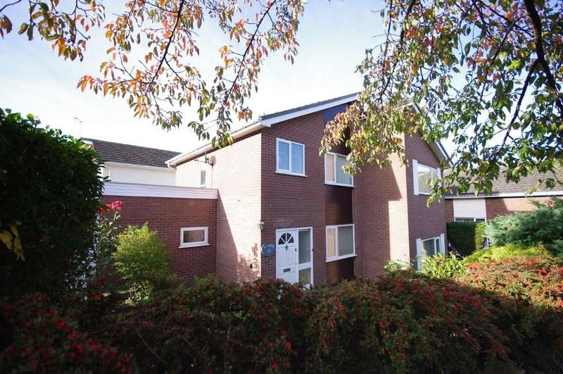 3 Bedrooms Detached House for sale in Plas Uchaf Avenue, Prestatyn