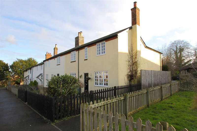 3 Bedrooms End Of Terrace House for sale in Woodcote Cottages, Pigeonhouse Yard, Sutton Scotney