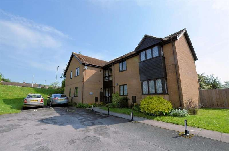 1 Bedroom Flat for sale in Ashmere Close, Calcot, Reading