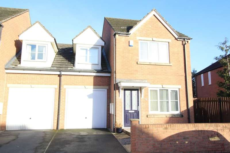 3 Bedrooms Semi Detached House for sale in Stanks Drive, Leeds, LS14