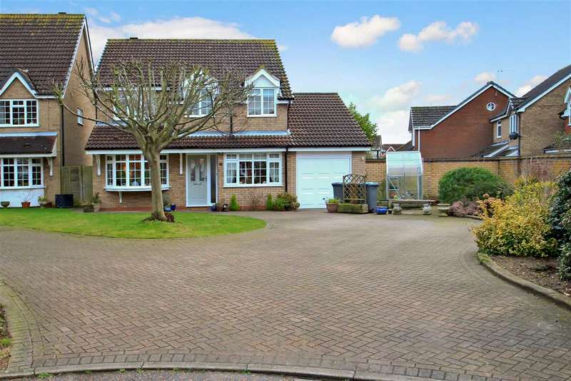4 Bedrooms Detached House for sale in Herbert Road, Grange Farm, Kesgrave, Ipswich