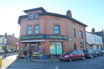 2 Bedrooms Flat for rent in Village Road, Oxton