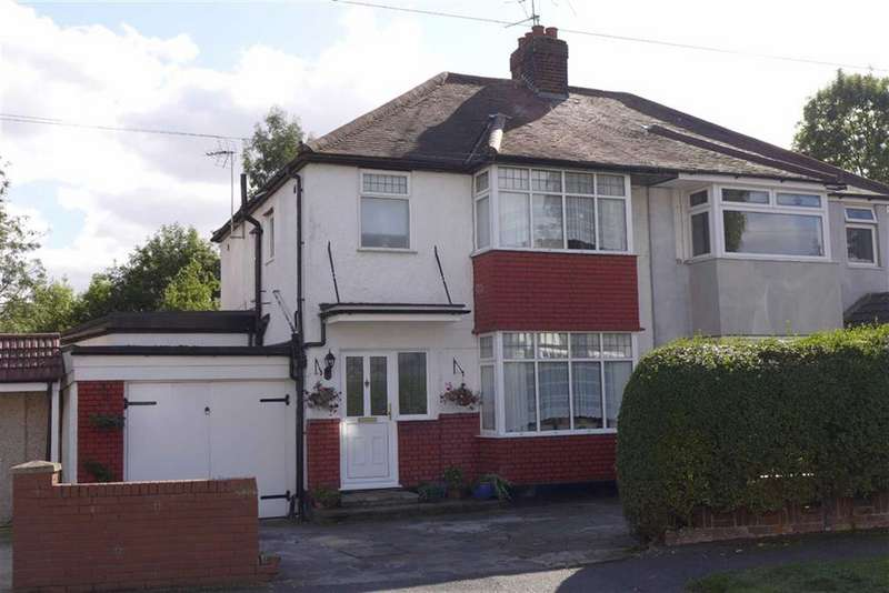 4 Bedrooms Semi Detached House for sale in Park Crescent, Harrow Weald, Middlesex