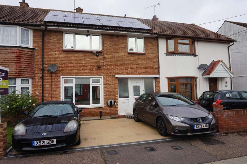 3 Bedrooms Terraced House for sale in Park Avenue, Eastwood, Essex SS9