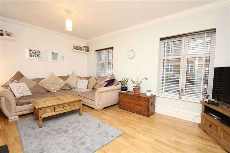 2 Bedrooms Apartment Flat for sale in King Edwards Court, Hatton, Warwickshire, CV35