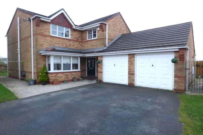 4 Bedrooms Detached House for sale in Viscount Avenue, Lower Darwen, Darwen, BB3