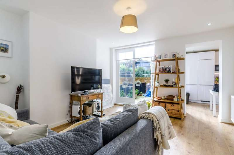 1 Bedroom Flat for sale in Jeffreys Road, Clapham North, SW4