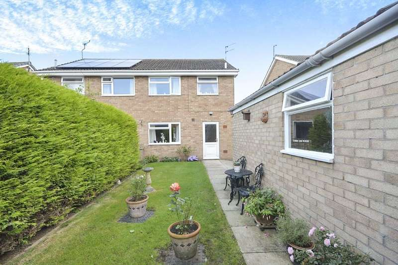 3 Bedrooms Semi Detached House for sale in Lancar Close, Wigginton, York, YO32