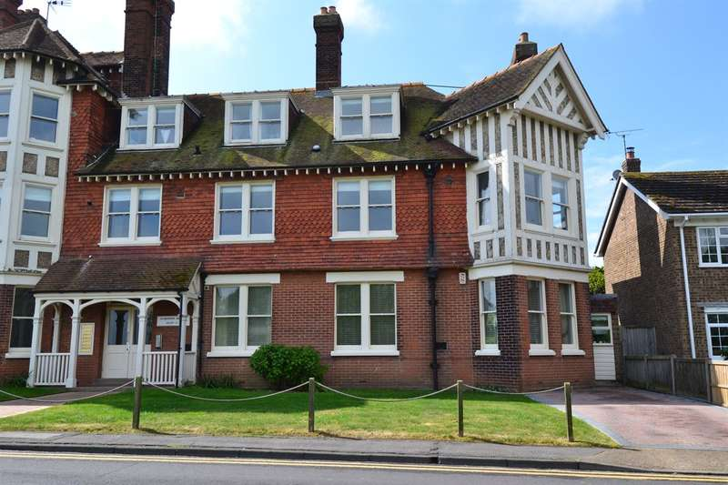 2 Bedrooms Flat for sale in Tower Hill, Tankerton, Whitstable