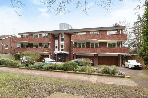 3 Bedrooms Flat for sale in Park Avenue, Bedford