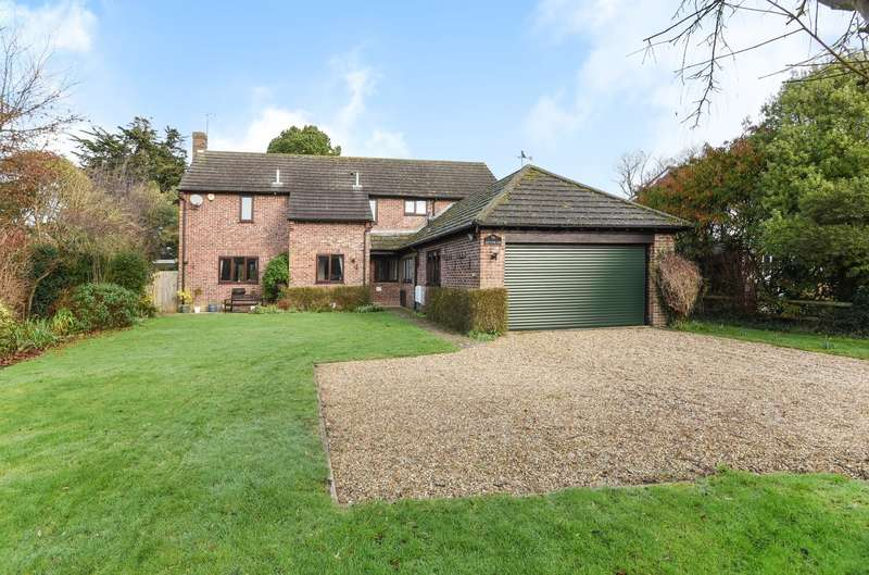 5 Bedrooms Detached House for sale in Goodwood Gardens, Runcton, PO20