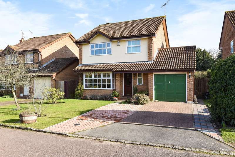 4 Bedrooms Detached House for sale in Crail Close, WOKINGHAM, RG41