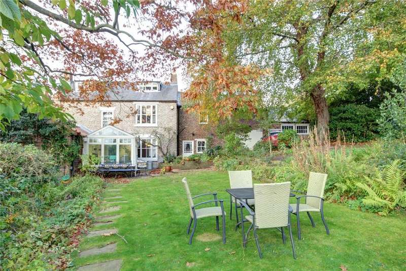 4 Bedrooms Detached House for sale in Gilesgate, Durham City, DH1