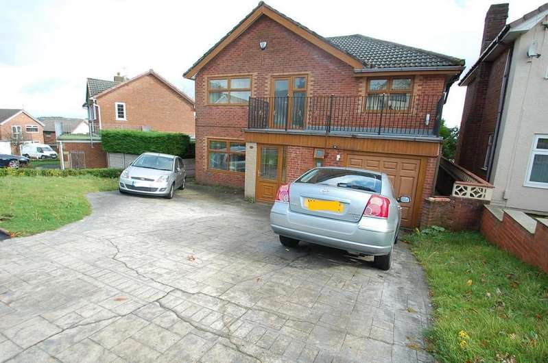 6 Bedrooms Detached House for sale in Goodshaw Avenue, Pleckgate, Blackburn