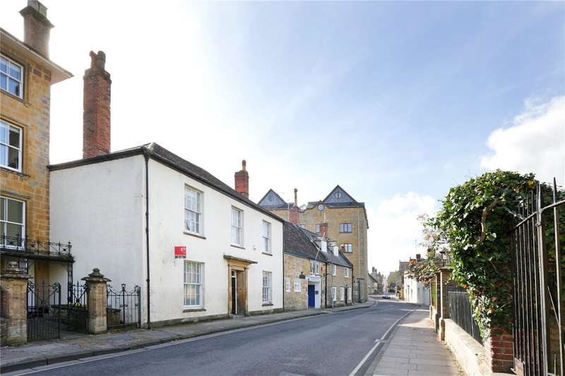 3 Bedrooms Semi Detached House for sale in Bute House, Long Street, Sherborne, DT9