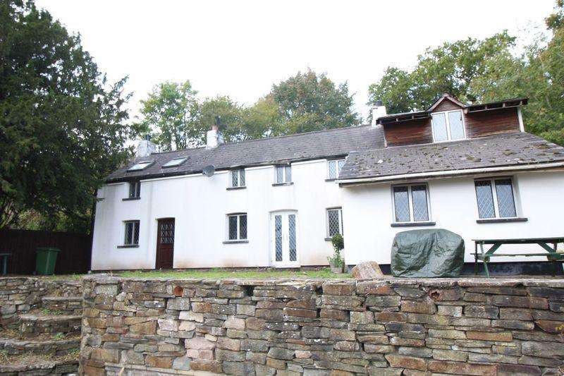 3 Bedrooms Detached House for sale in Bettws, Newport