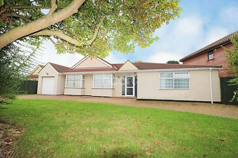4 Bedrooms Bungalow for sale in Crosthwaite Way, Berkshire