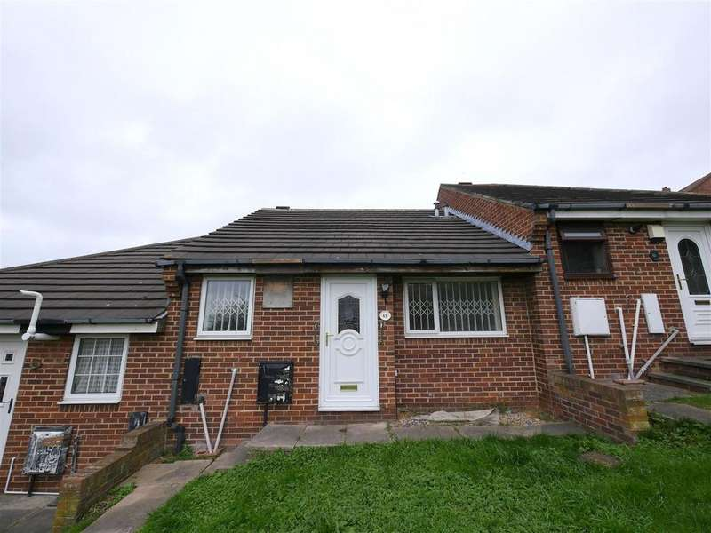 2 Bedrooms Terraced Bungalow for sale in Ruislip Road, South Hylton, Sunderland