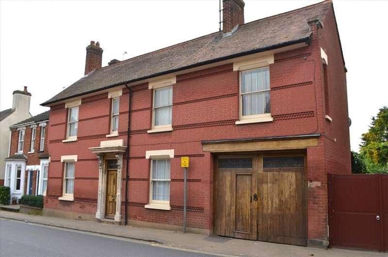 4 Bedrooms Semi Detached House for sale in Blackbird Street, Potton, Sandy, SG19