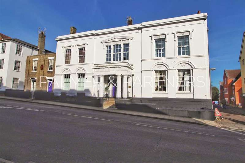 2 Bedrooms Maisonette Flat for sale in Belgrave Place, East Hill, Colchester