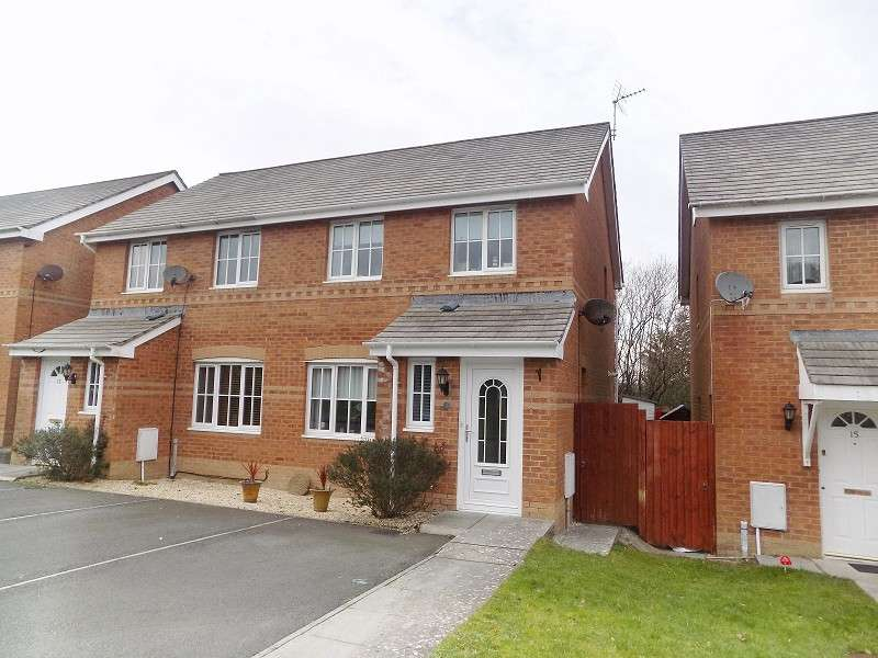 3 Bedrooms Semi Detached House for sale in Vale Park, Broadlands, Bridgend. CF31 5EA