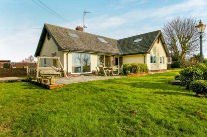7 Bedrooms Bungalow for sale in Kedington, Haverhill, Suffolk