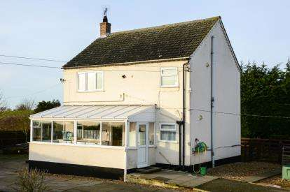 3 Bedrooms Detached House for sale in Downham Market, Norfolk