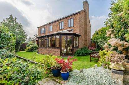 4 Bedrooms Detached House for sale in Fowlmere, Nr Royston, Herts