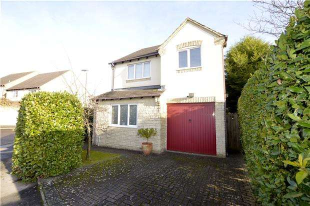 3 Bedrooms Detached House for sale in Cuckoo Close, Chalford, Gloucestershire, GL6 8FG