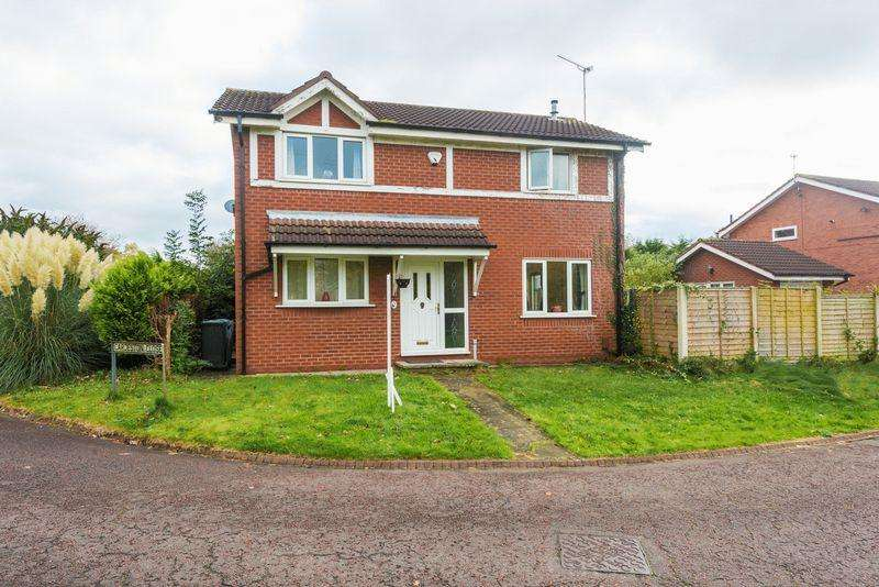 3 Bedrooms Detached House for sale in Cardeston Close, Weaverside Village, Runcorn